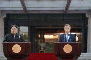 천기누설?…文대통령과 김정은 이렇게도 만날 수 있다