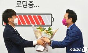 윤석열 이어 장성민도 '입당'… 국민의힘, '野 구심점' 우뚝