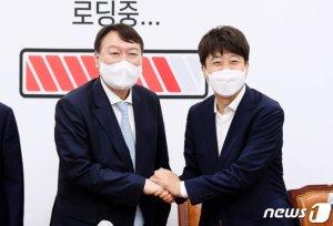 검증단장 '尹 저격수' 김진태 유력 검토…긴장 흐르는 경선버스