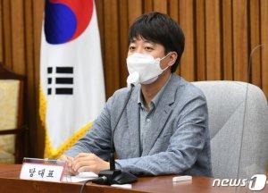 """이준석 """"예스·노 '日전범' 비유 안철수, 정상인 범주 벗어나"""""""