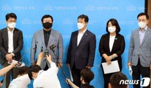 설훈·윤미향 등 '한미훈련' 조건부 연기 제안…송영길 '일축'