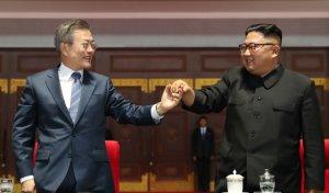 文대통령, 韓美연합훈련 모호한 한마디…당·정은 갈팡질팡