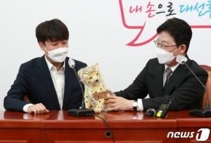 추석 연휴 대구 가는 유승민…'치타'처럼 尹·洪 추격할까