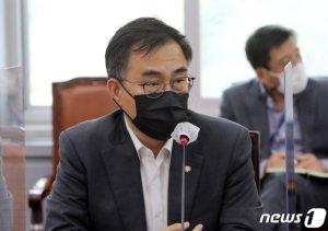 언론중재법 논의 '평행선'…26일 양당 지도부 '담판' 가능성