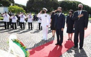文대통령, 태평양국립묘지 참배...하와이 공식일정 시작