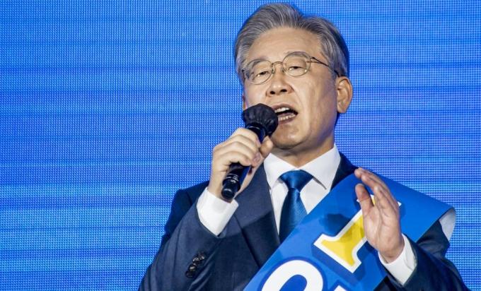 이재명 '과반' 유지…대장동 의혹에 호남 민심은 '유보'