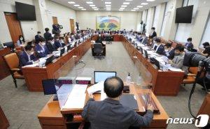 '대장동 전쟁터'된 정무위, 이해진-최인혁 '증인 채택'에 불똥