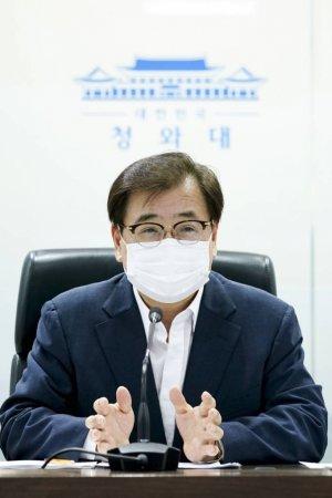 """靑NSC """"한반도 긴장 고조 안돼…북한과 대화 재개돼야"""""""