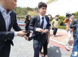 """'하명수사 의혹' 울산 경찰 10명 소환 불응에 검찰 """"엄정 대응할 것"""""""