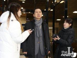 """김기현 전 울산시장 이틀째 출석 """"검찰 증거자료 충분하게 확보""""(상보)"""