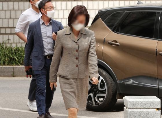 조국 딸 인턴활동, 의전원 입시 영향력은? 檢·정경심 법정공방