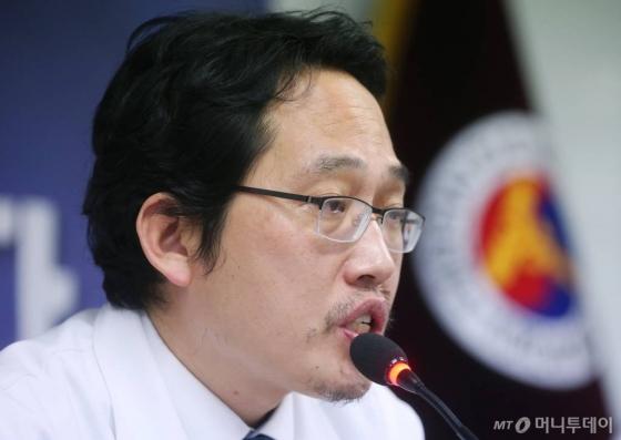 검찰, 최대집 피고소인 조사…'박원순 아들 병역비리' 관련