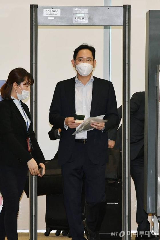 검찰, 사흘만에 이재용 부회장 재소환…불법 합병 의혹 정조준