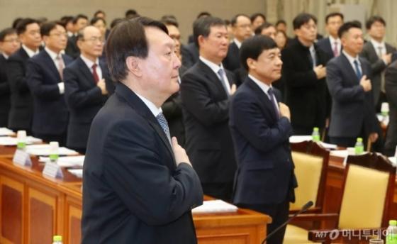 '이재용 기소案' 보고됐다…정면충돌 윤석열-이성윤, 오늘 '주례회의' 모일까