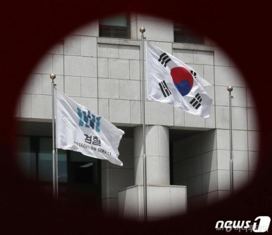 """윤석열에 반기든 이성윤…대검 &quot자신 있다면 순리 따라라"""""""
