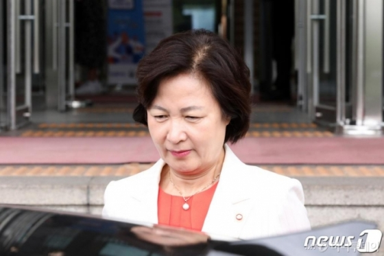 검찰 지휘부 '추미애 라인' 포진…윤석열 고립 심화되나