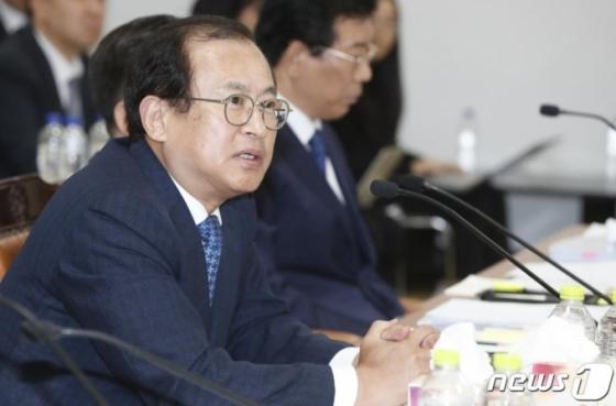 '좌천 인사' 문찬석 광주지검장 사의…'총장 지시' 거부 이성윤 비판