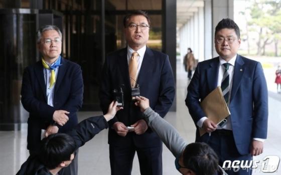 검찰, '윤석열 가족 의혹' 고소·고발인들 줄줄이 조사(종합)