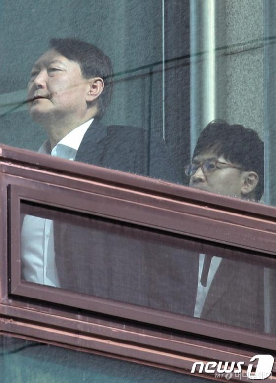 [서초동살롱]신라젠과 라임, 추미애와 윤석열
