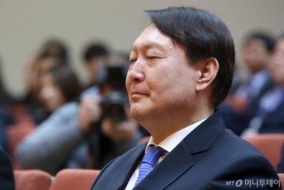 끝나지 않은 '秋-尹 국감전쟁'…26일 추미애 입에 쏠리는 이목