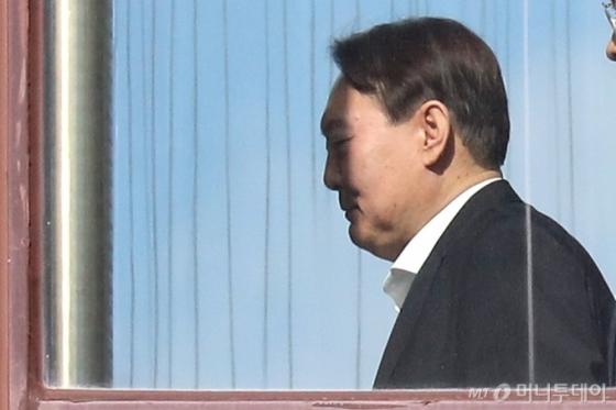 """법무부 &quot징계위가 허락하면 윤석열이 신청한 증인들 부를 수 있어"""""""