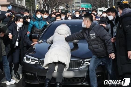 '정인이 양모' 뒤늦게 살인죄 적용…'신상공개'는?[팩트체크]