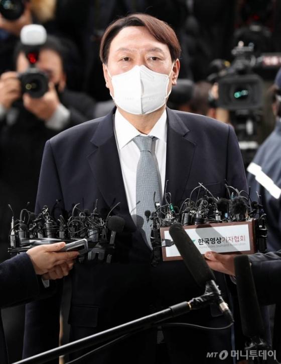 추미애 제청 문재인 재가 '윤석열 징계'…결국 '쓸데없는 짓'됐다
