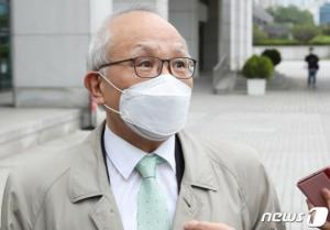 檢 수사심의위, '수사 외압' 이성윤 기소 8대4 의결(상보)