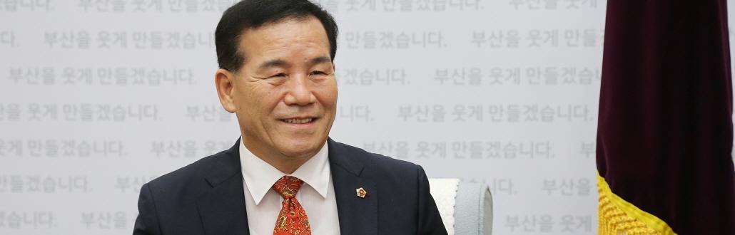"""신상해 부산시의회 의장, """"가덕 신공항 로드맵 따라 추진할 것"""""""