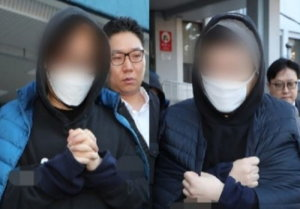 """'프듀' 안준영 PD·김용범 CP 검찰 송치 """"죄송"""""""
