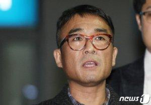"""A씨 폭로 """"지지 감사""""→경찰 """"김건모 재소환 가능"""""""