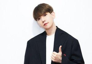 백현, 컴백 당일 음원차트 1위+61만장 판매고 '大기록'