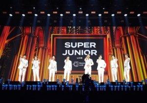 12만명 열광 슈주 '비욘드 라이브', 티켓수익 60억원