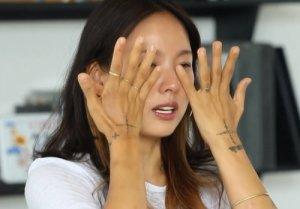 """""""하차할까봐"""" 이효리, 노래방 논란에 눈물 펑펑"""