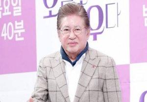 """김용건, 39세 연하 여친에 낙태 강요 미수죄 고소 당해..A측 """"진심 어린 사과해야"""""""