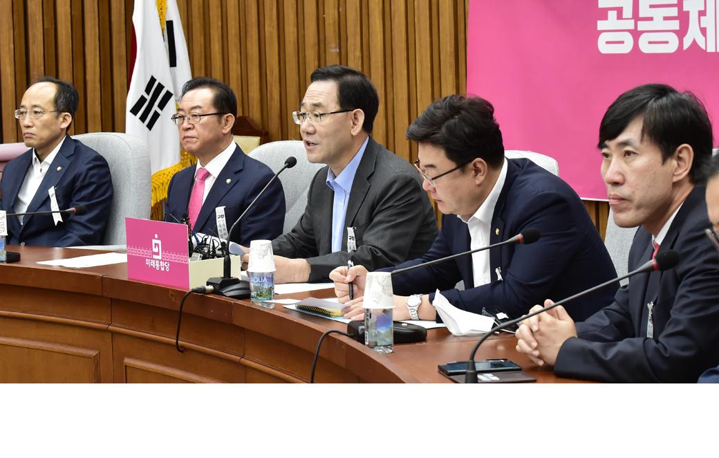 """통합당 주호영, """"유석열 총장 그만둬서는 안돼…추미애 장관 사퇴해야"""""""