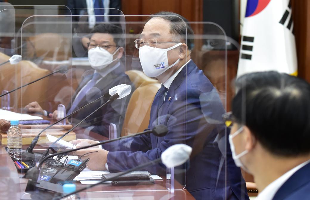"""홍남기 부총리 """"2021년 6월까지 공공조달 종합계획 수립"""""""