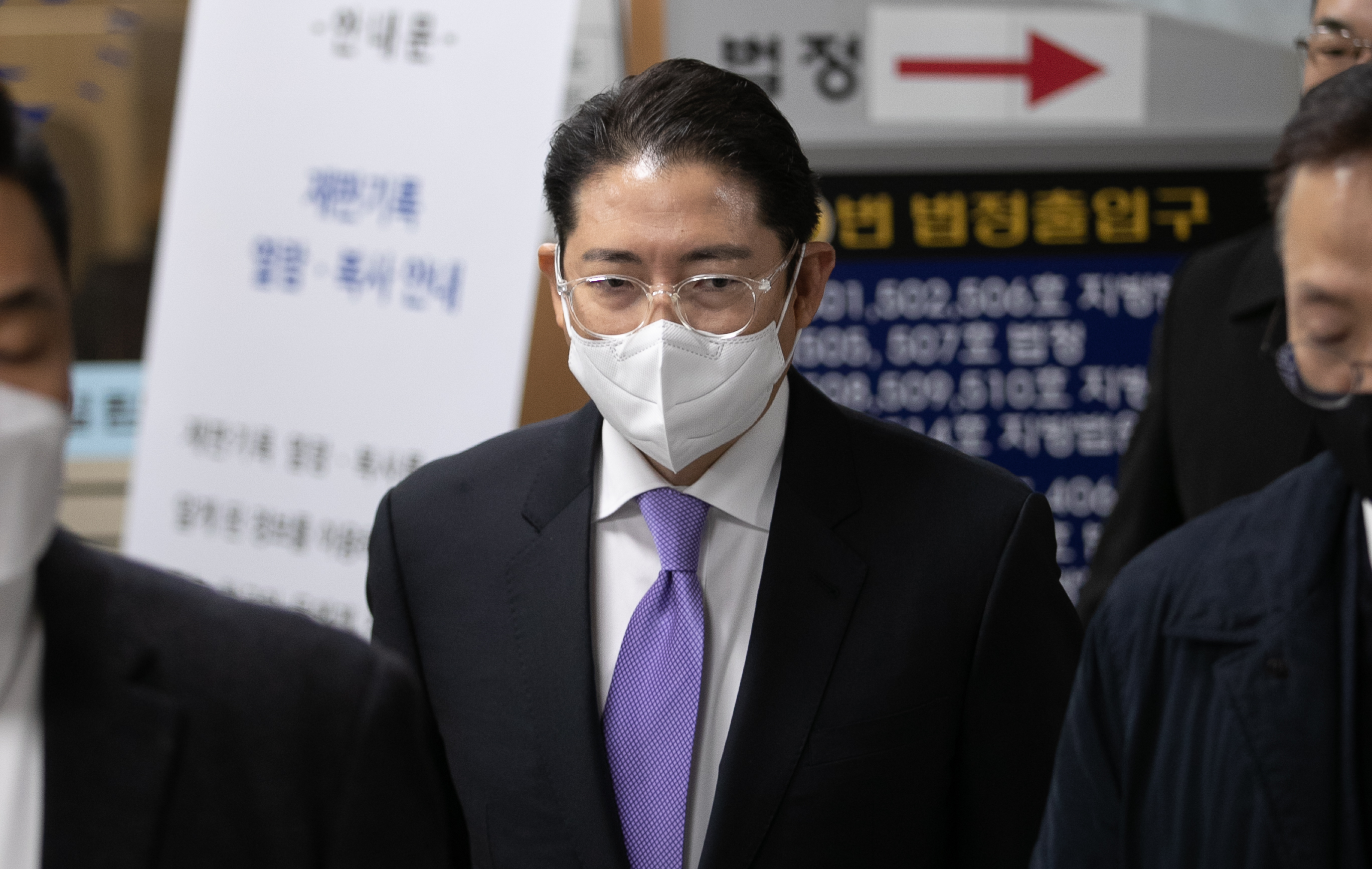 '횡령·배임' 조현준 회장, 1심 뒤집고 항소심서 집행유예