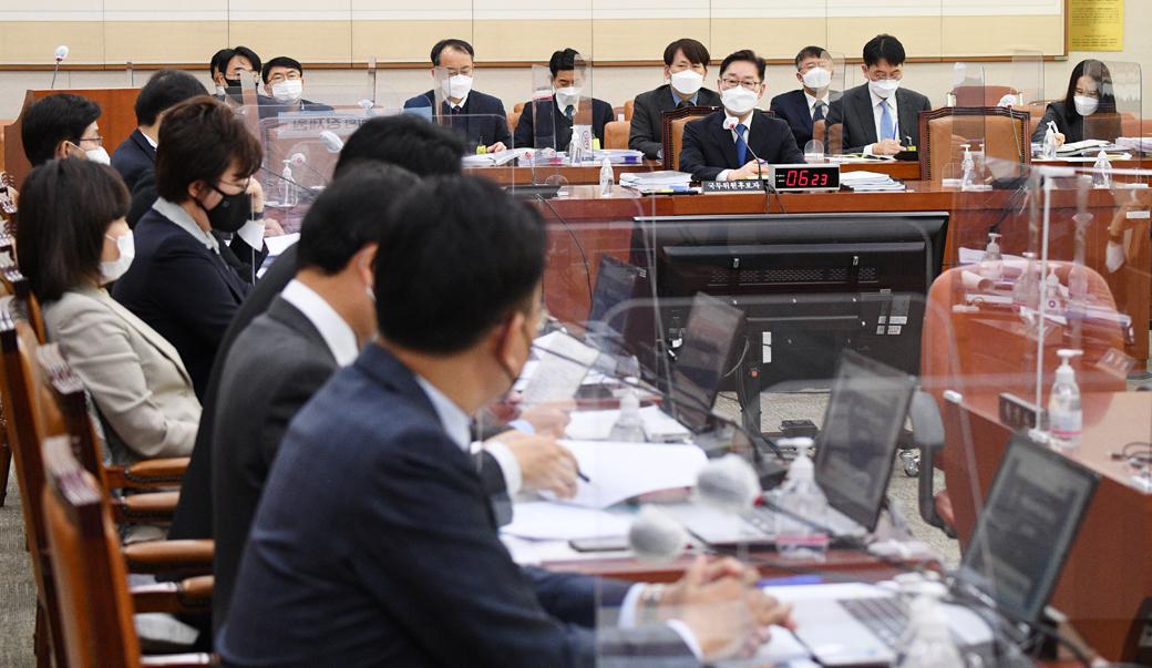 박범계 청문회…'재산누락·검찰개혁' 등 쟁점