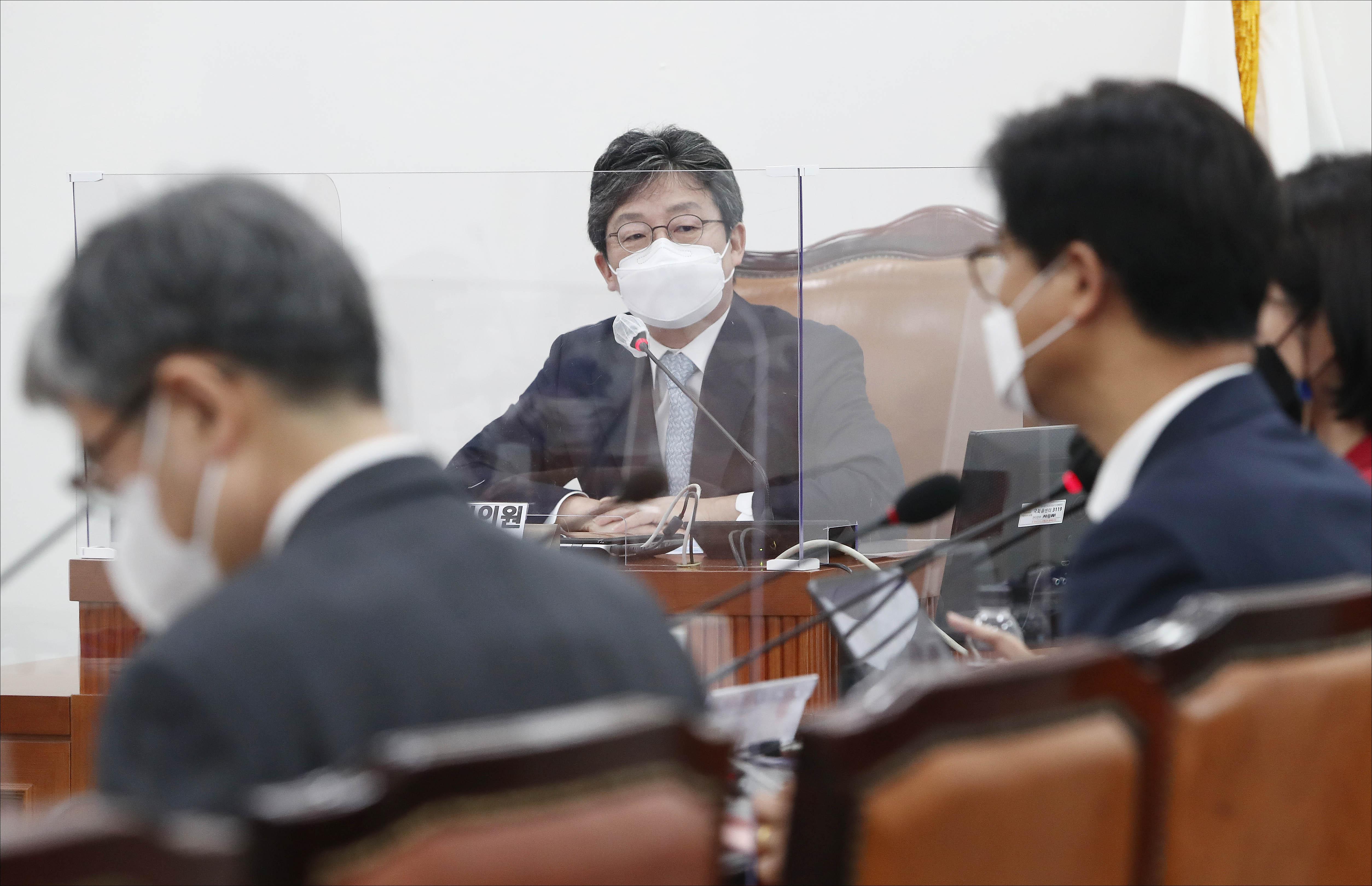 '명불허전 보수다' 강연 나선 유승민