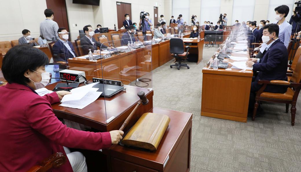 대체공휴 제정 등 관련 국회 행안위, 내일 다시 속개