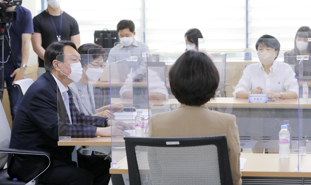 서울시간호사회 찾은 윤석열 '고충 및 개선사항' 경청